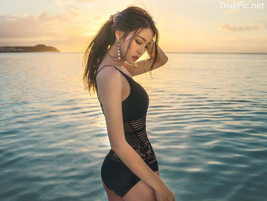 Park Jeong Yoon - Can't Help Falling - Korean swimsuit and model - Picture 5