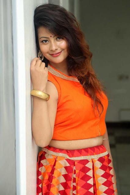 Tollywood Actress Shubhangi Pant Hot and Beautiful Photoshoot Navel Queens