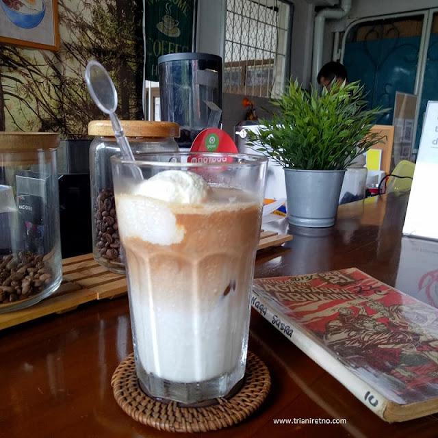 encykoffee coffee shop di bandung