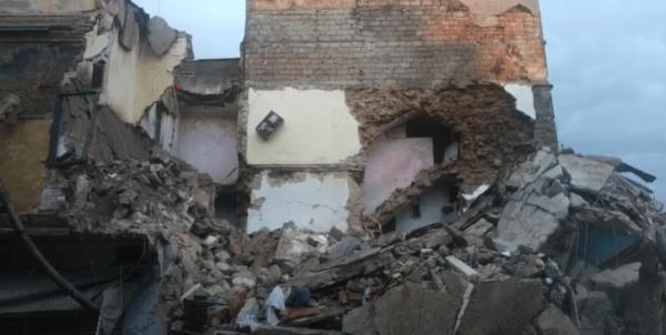 الدارالبيضاء تستفيق على حادث انهيار منزل مكون من 3 طوابق والحصيلة الأولية وفاة شخص و4 جرحى (فيديو)