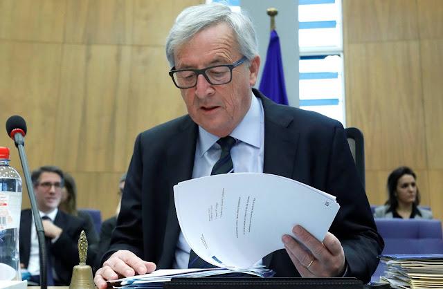 Política. Urgente: Libro Blanco sobre el futuro de la Unión Eur