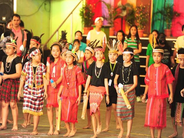 Grade 4 Students in Igorot costume