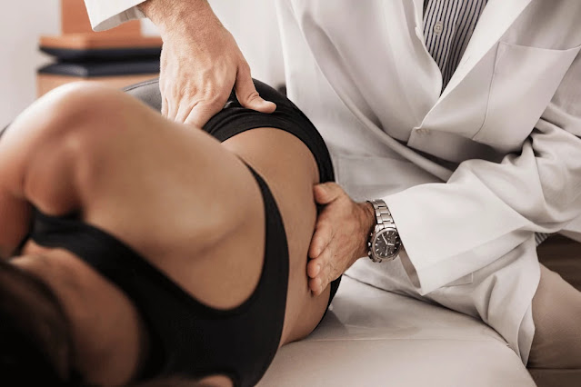Lower back pain - 6 Possible Conditions That Can Cause Back Pain In Women After 40 - Massage Treatment