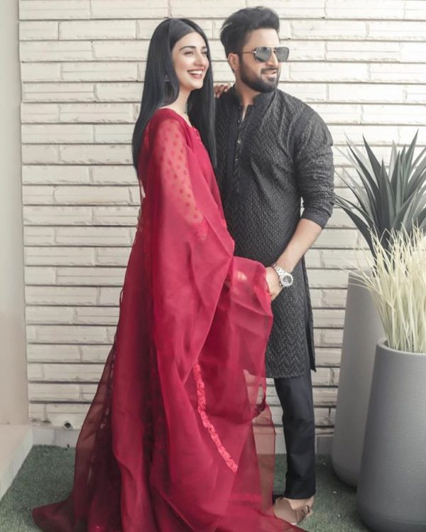 New Wed Couple Sarah Khan and Falak Shabir Awesome Pictures