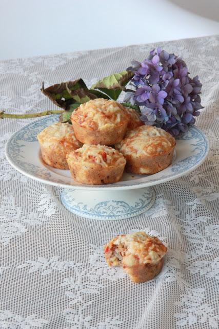 Geitenkaas muffins met tomaat - www.desmaakvancecile.com