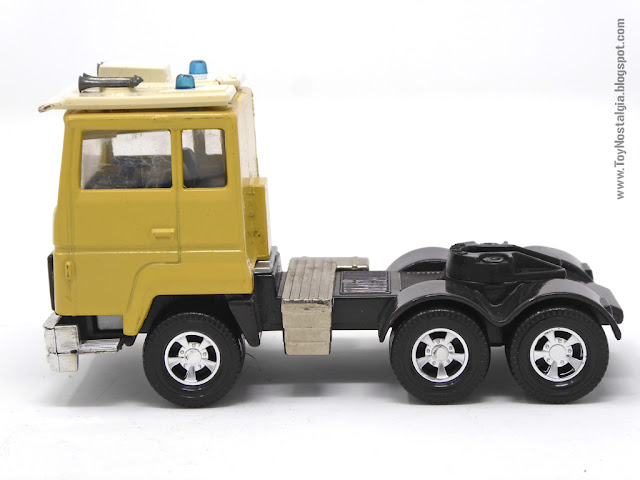 MATCHBOX - Super Kings - Construction Bridge Layer  K-44 Cabeza tractora de lado - Made in England - 1981 (Lesney England)