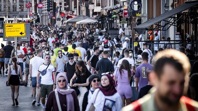 دراسة حديثة: الهولنديون يشعرون بالرضا عن رفاهية حياتهم رغم جائحة كورونا