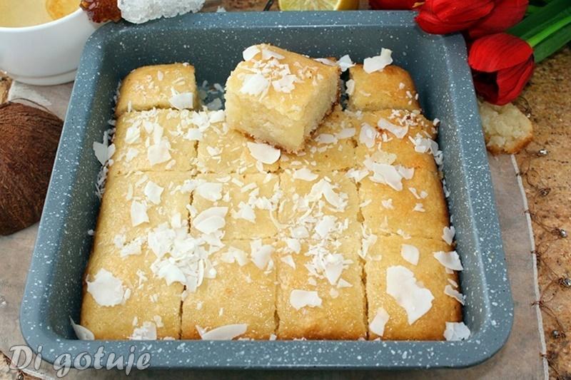 Namoura - arabskie ciasto z kaszy manny i wiórków kokosowych (bez jajek i mąki)
