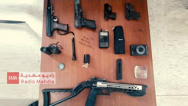 المهدية : ايقاف شخص بحوزته 4 مسدسات وذخيرة