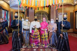 """Kunjungi Museum Arajange Bone, Kapolda Sulsel Di Gelari Tamu Kehormatan """" Lasalipu Daeng Marakka"""