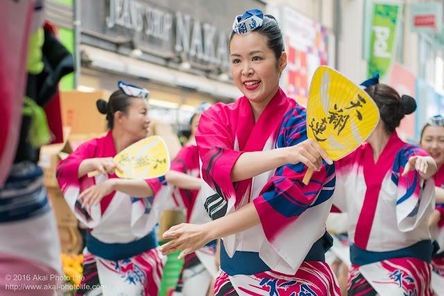 高円寺パル商店街、天翔連の流し踊りの写真 3