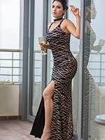 http://www.stylishbynature.com/2018/09/wonderful-black-and-gold-ball-gown.html