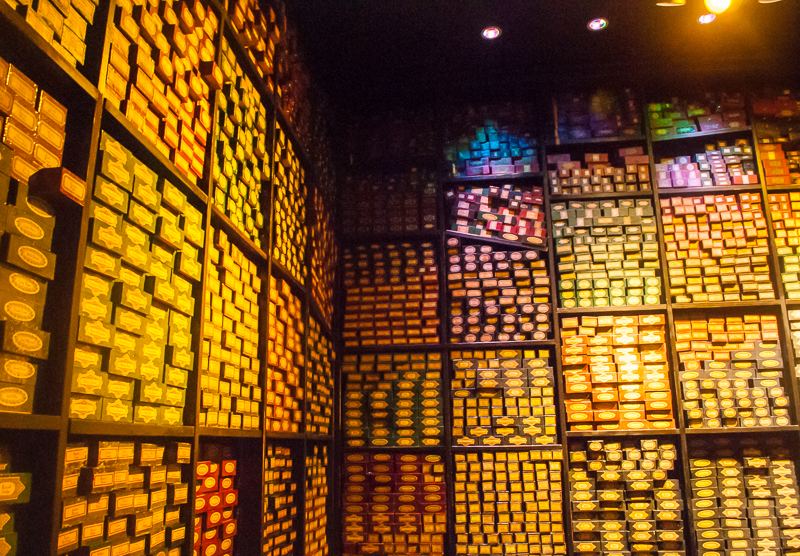 Harry Potter Studios, Engalnd. The wand shop details