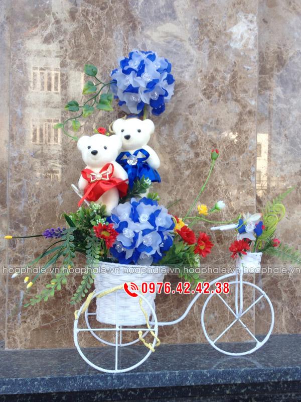 Xe hoa gấu bông - hoa pha lê