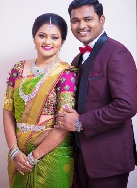 Pre-Wedding Photoshoot Pose For Couple