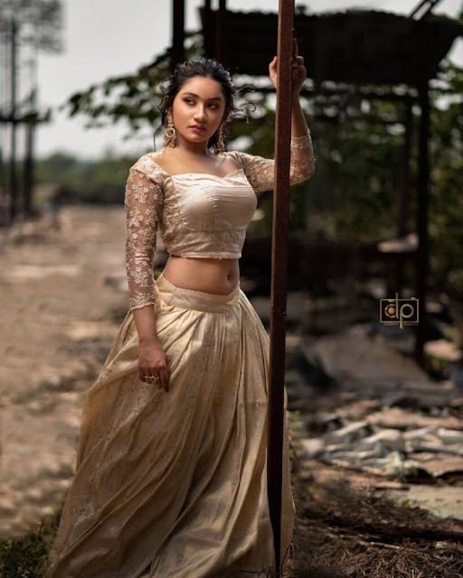 Actress Raveena Daha Latest Photoshoot Stills Shows Off Her Sexy Chubby Navel Navel Queens