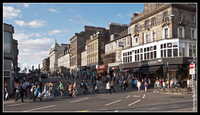 Princess Street Edimburgo (Escocia)