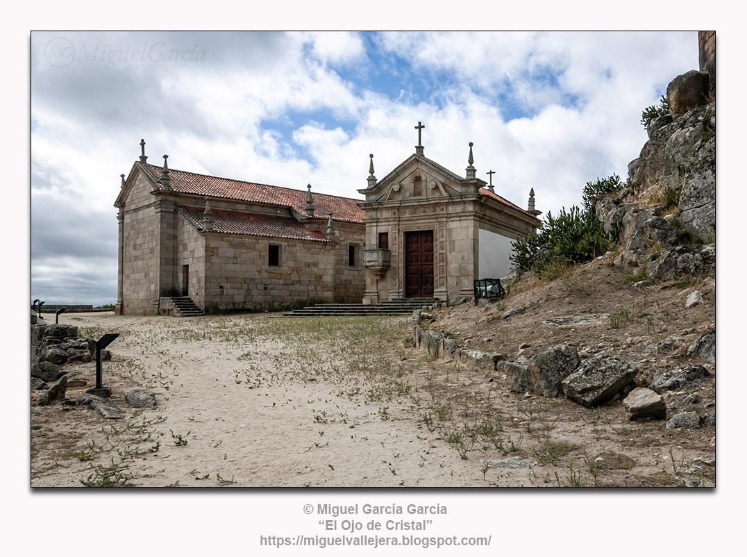 Marialva.- Igreja de Santiago e Capela do Senhor dos Passos.