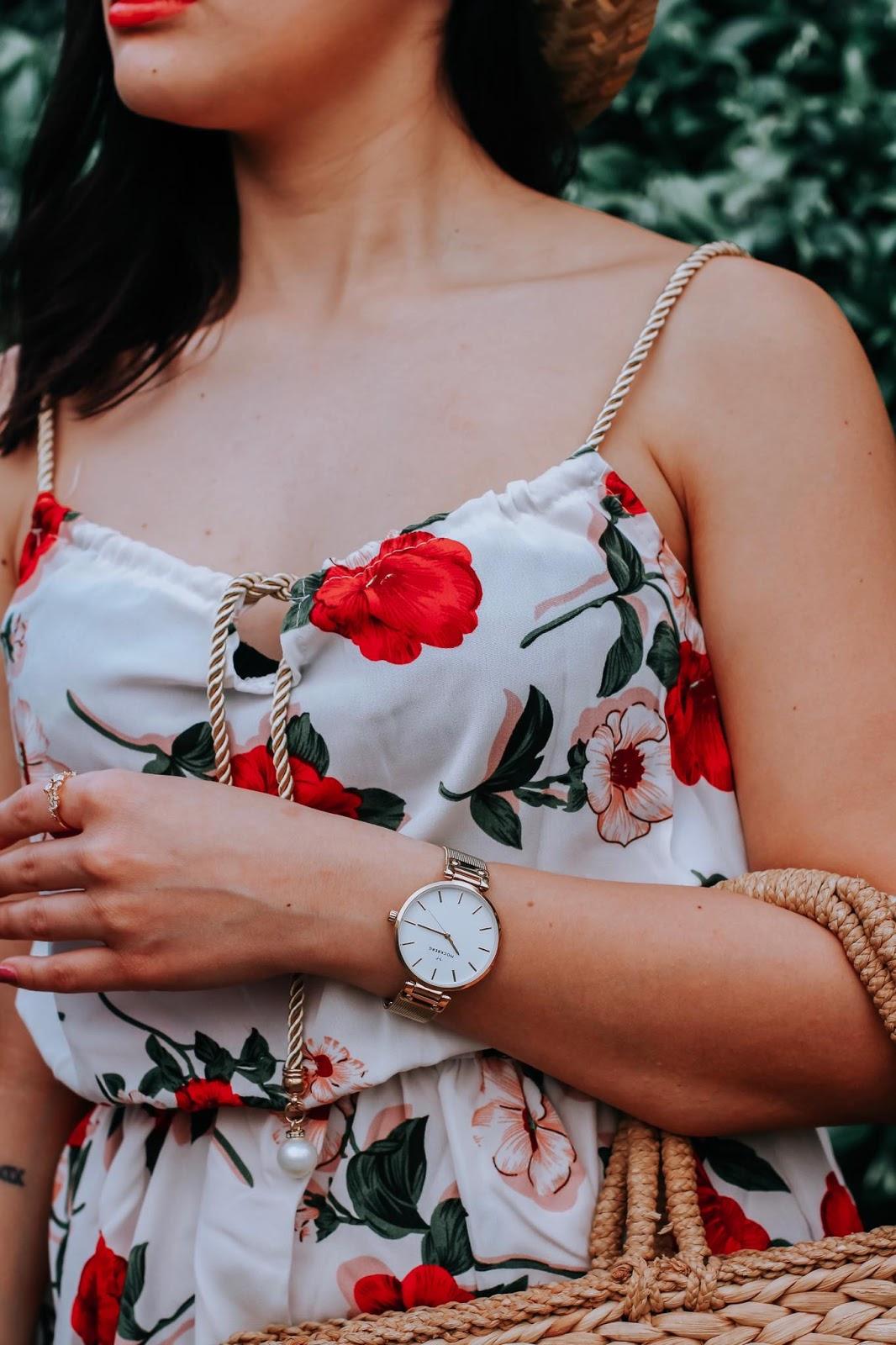 orologio ragazza vestito fiori rossi