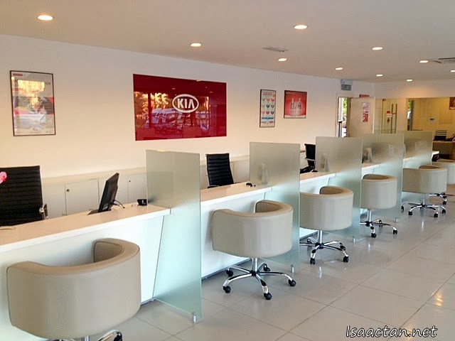 The very clean and large reception lobby of Kia Setapak Service Centre