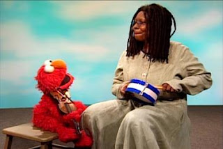 Whoopi Goldberg and Elmo sing Somebody Come and Play. Sesame Street The Best of Elmo 3