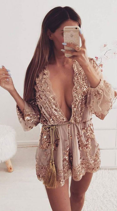 To get the perfect New Year Eve Instagram photo all you need is a trendy outfit and saying cheese. Have a look at these 21 New Year Eve Outfits for Your Next Holiday Party. Holiday Fashion via higiggle.com | sequin mini dress | #holiday #fashion #newyear #sequin