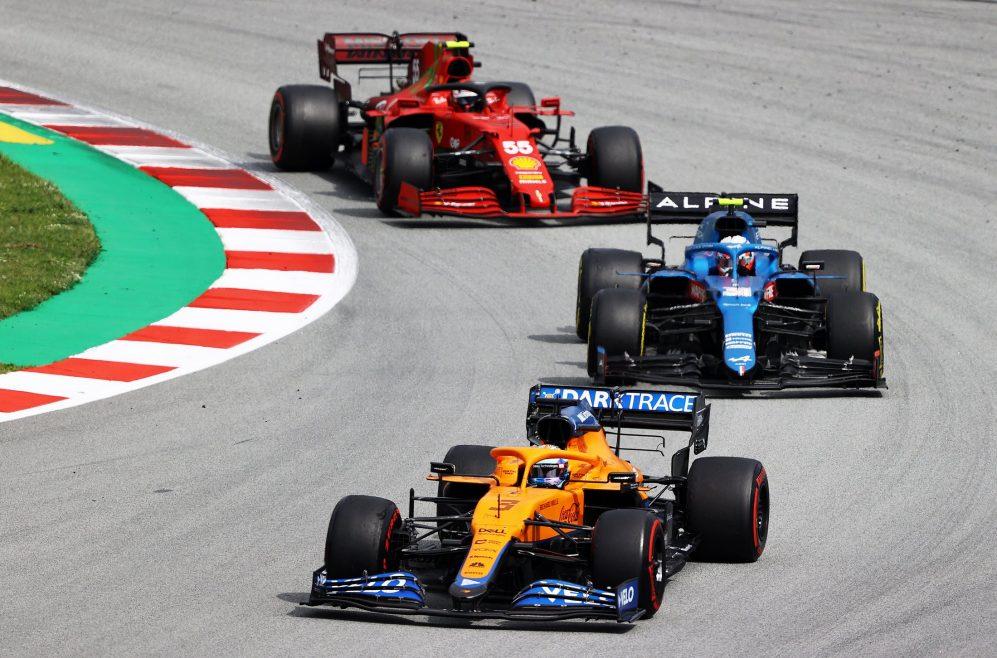 Ocon viu-se sem o ritmo de corrida da McLaren e da Ferrari na Espanha