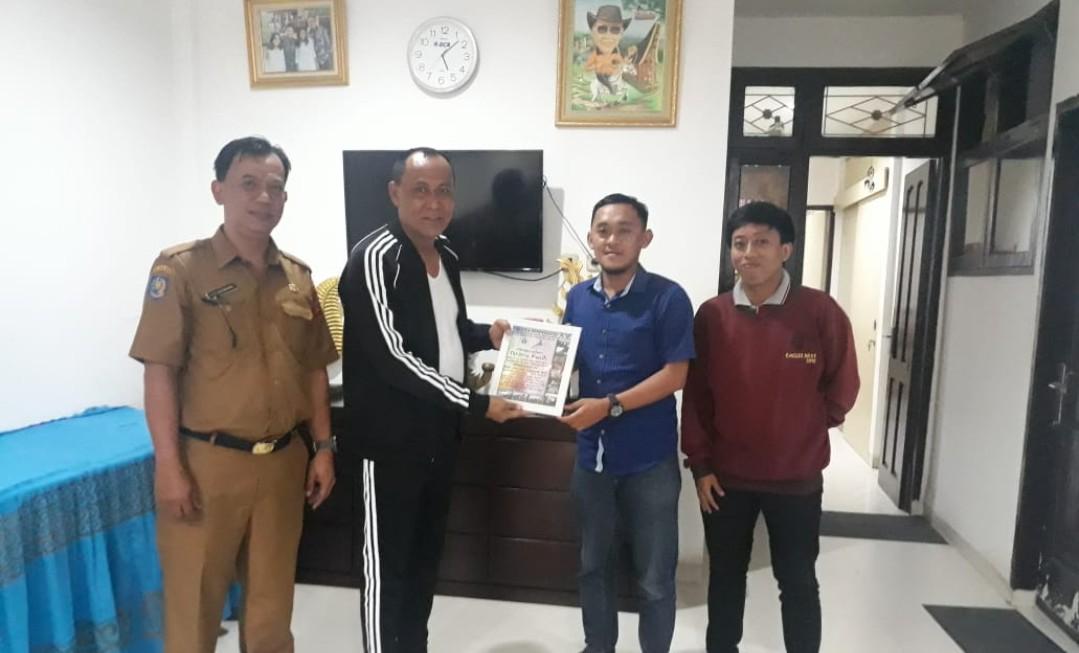 Wabup Tana Toraja Terima Penghargaan dari Panitia Perpensos XV 2018 Makassar