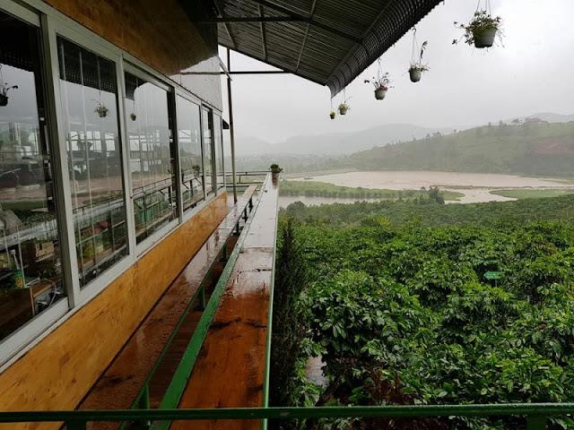 Cafe Chon Me Linh - Da Lat - CLownVietNam dich vu cung cap xe du lich 0909381581