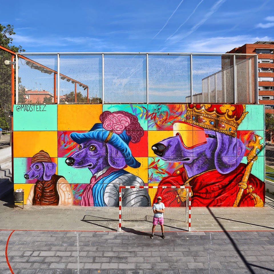 Our friend Madsteez is currently in Spain where he was invited by Open Walls and Montana to paint a new piece on the streets of Barcelona.