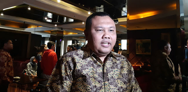 Jangan Cuma Nyinyirin Anies, Beranikah PSI Kritik Jokowi?