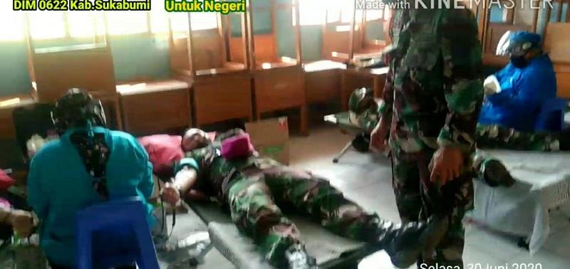 Kegiatan Donor Darah Pada TMMD Ke-108 Kodim 0622/Kabupaten Sukabumi Wujud Kepedulian TNI dan Pemda  Untuk Rakyat