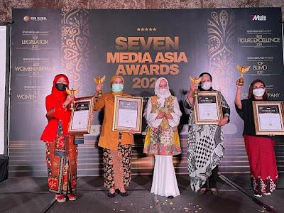 Hj Rizayati Bangga, Terima Penghargaan Bergensi Tingkat Nasional