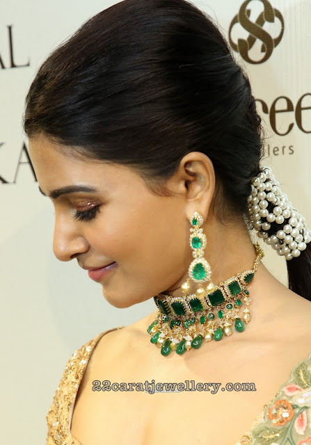 Samantha in Emerald Choker by Shree Jewellers
