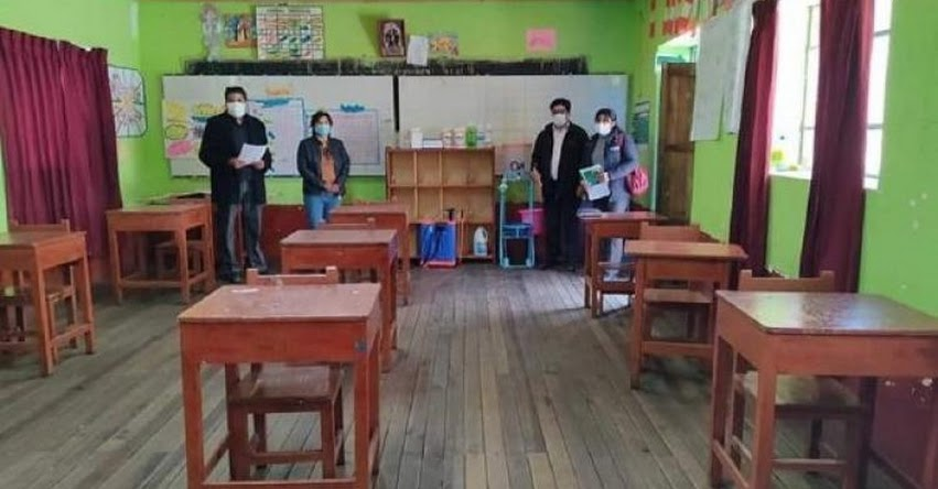 Más de mil estudiantes retornarán a clases semipresenciales en Puno