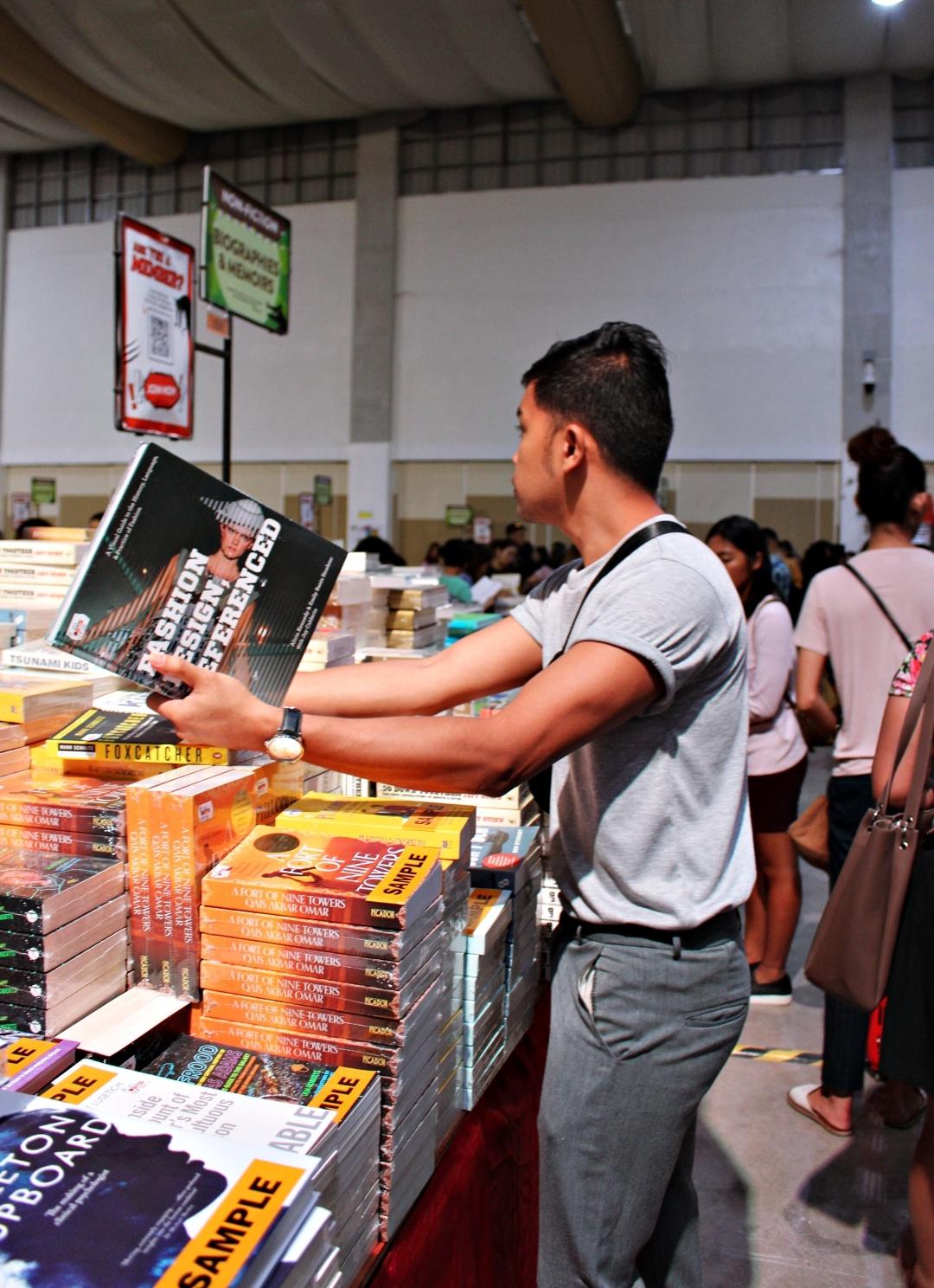 CEBU-BLOGGER-BIGBADWOLF-BOOKS-SALE-ALMOSTABLOGGER.jpg