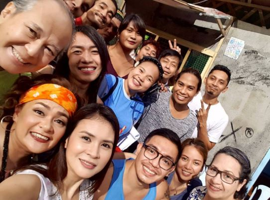 This is What the Whole Cast of La Luna Sangre Are Doing During Their Breaks!