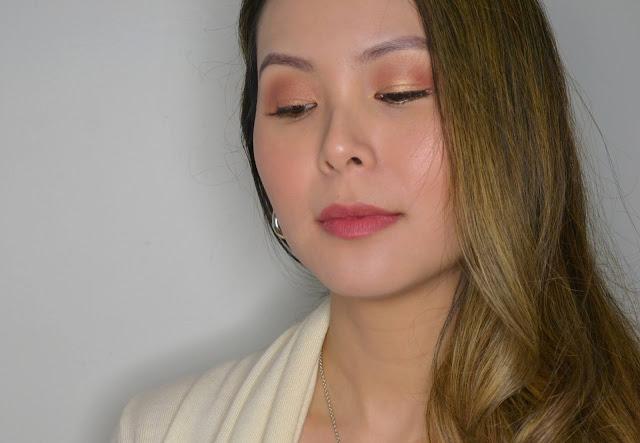 makeup selfie wearing the face shop rouge powder matte lipstick in the shade beige powder