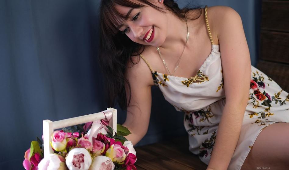 NousAila Model GlamourCams