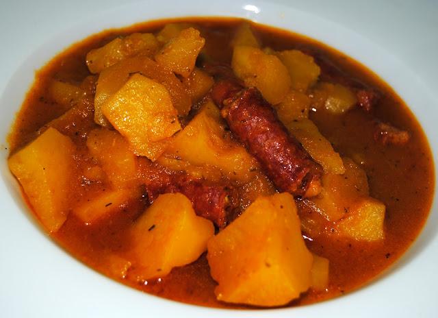 Patatas Guisadas con Chistorra. Receta