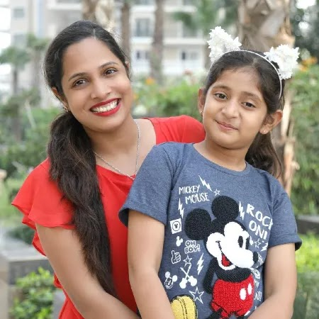 Anantya Anand with her Aunt Ahruti Arjun Anand