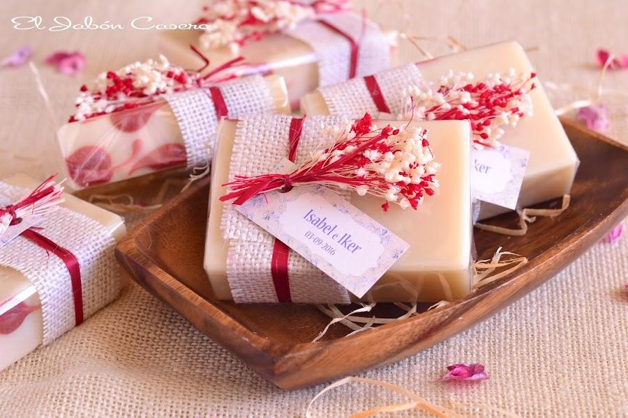 Detalles para invitadas jabones hechos a mano