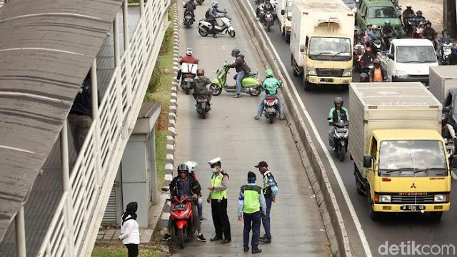 Lampu Sepeda Motor Wajib Nyala di Siang Hari Digugat ke MK, Ini Kata Polri