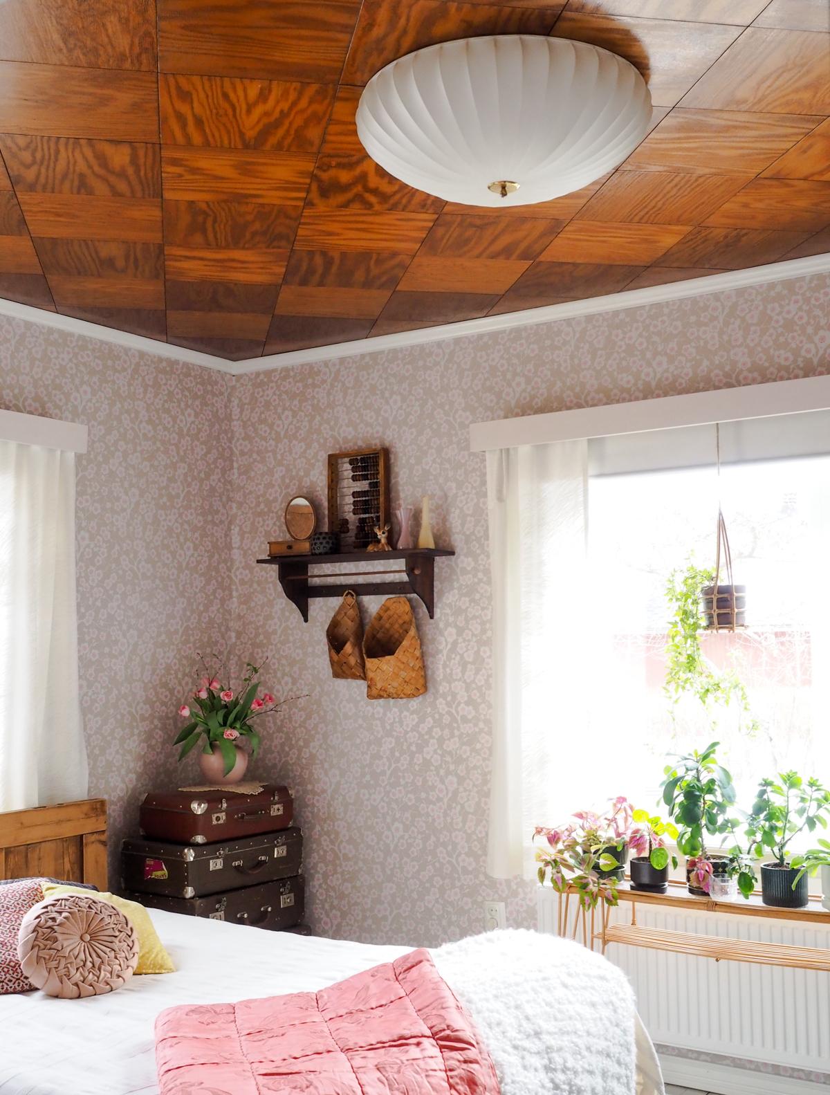 aris kattoplafondi, vanha valaisin