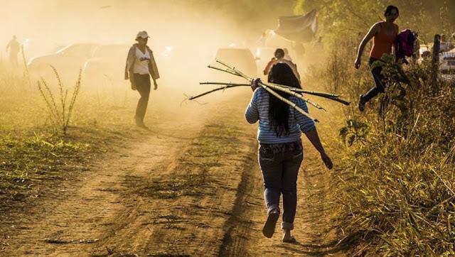 Em 2016 foram registrados 61 assassinatos em conflitos no campo, o que equivale a uma média de cinco assassinatos por mês. Destes, 13 foram de indígenas, 4 de quilombolas, 6 de mulheres, 16 de jovens com idade entre 15 e 29 anos, sendo 1 adolescente. Nos últimos 25 anos, o número de assassinatos só foi maior em 2003, quando foram registrados 73 casos.  Esses e outros dados compõem o Relatório de Conflitos no Campo Brasil 2016, da Comissão Pastoral da Terra (CPT), e foram apresentados nesta última quarta-feira (14) durante audiência pública promovida pela Comissão de Direitos Humanos e Minorias (CDHM) da Câmara dos Deputados.