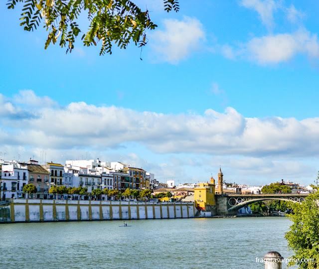 Ponte Isabel II e a orla de Triana, Sevilha