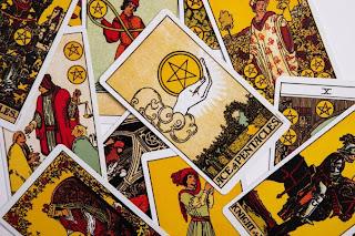 Rashifal with tarot card😇daily horoscop 😍kis rashiwalo ke aaj money matter sudhrege!! August2021