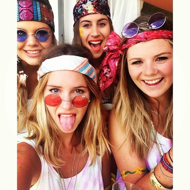 sevens hippy babes