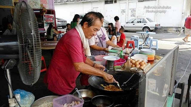 Chief Of Char Kway Teow ~  Uncle Eng Kim Soong