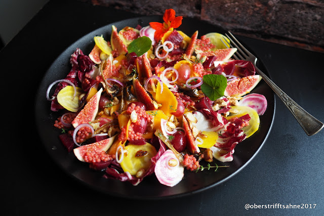 Herbstsalat mit Kürbis, Bunter Bete, Feige, Nüssen, Trauben